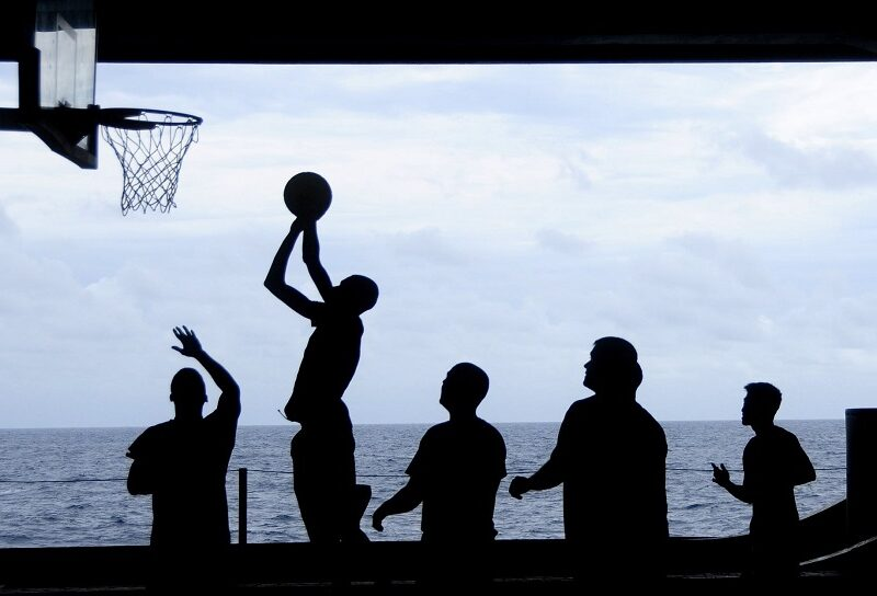 Tip na teambuilding: Aké výhody prinášajú športové dni?